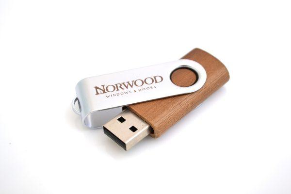 Wood USB Twister
