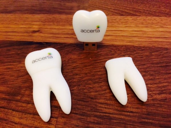 Tooth USB - U14 - Tooth Shaped USB Flash Drive