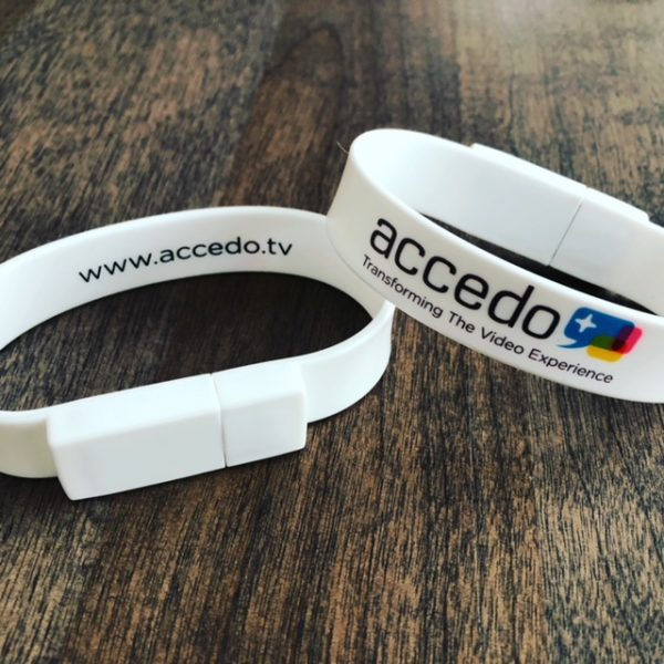 USB Bracelet - white